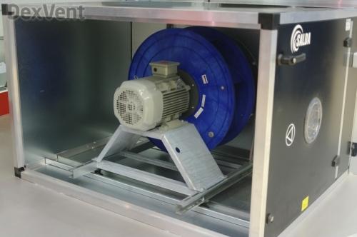 Вентилятор со свободным колесом на одном валу с двигателем